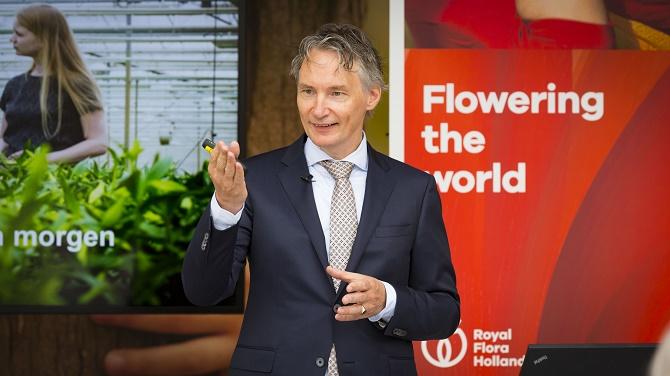 AALSMEER - Presentatie van het Royal FloraHolland Jaarverslag 2015 door CEO Lucas Vos © 2016 Foto: Nils van Houts