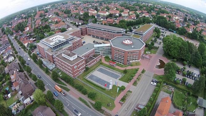 Luftaufnahme des Neubaus der hagebau Gruppe: Fast 11.000 Quadratmeter Bürofläche stehen jetzt an der Celler Straße/Trift zur Verfügung.
