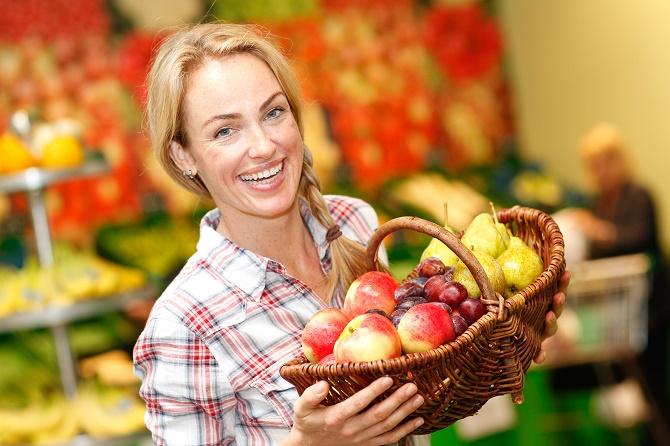 Bildunterschrift: Wer wissen will, wie das Paradies schmeckt, kann viele köstliche Obstsorten frisch geerntet aus heimischem Anbau genießen. (Bildnachweis: GMH)