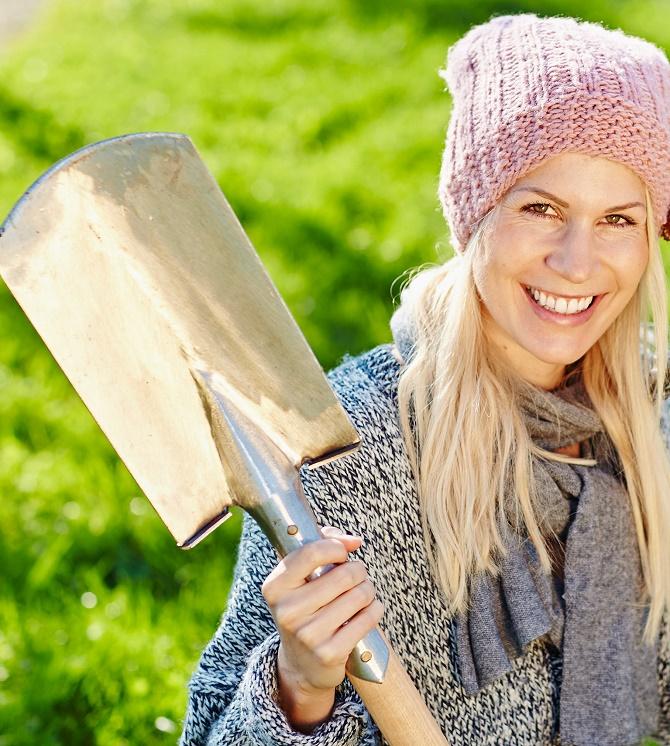 Bildunterschrift: Bevor Frost und Schnee Einzug halten, gibt es noch Ei-niges zu tun, damit der Garten im kommenden Frühjahr wieder in neuer Pracht erblüht. (Bildnachweis: GMH/BVE)