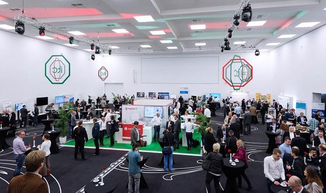 Neu war das Ausstellungskonzept mit einem alle Dienstleistungen der hagebau IT darstellenden Stand. Außen herum präsentierten sich die Partner.