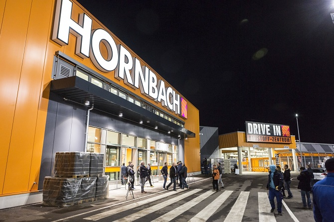 hornbach hat heute einen neuen markt in halle er ffnet. Black Bedroom Furniture Sets. Home Design Ideas
